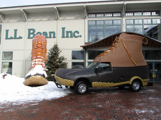 L L Bean Bootmobile A Maine Hunting Shoe Vehicle Created To Celebrate  panys 100 Year Anniversary together with Daily Fun Facts Wienermobiles likewise Monday Meme Wiener Crash With Poem as well Classic Model Cars The Oscar Mayer Wienermobile moreover My Dad Drinks Beers Pees Trees Entertained Parents Share Bizarre Inappropriate  ments Kids Made. on first wienermobile