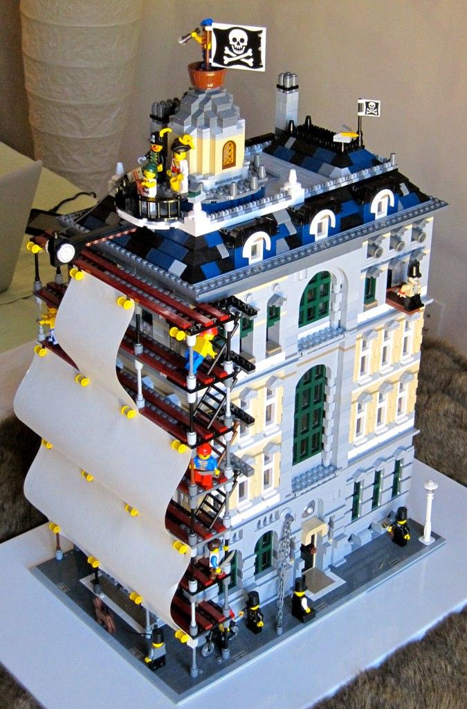 LEGO Version of Monty Python's Crimson Permanent Assurance