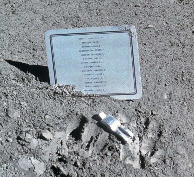 Fallen_Astronautsm.jpg