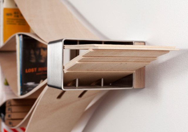 Chuck, A Bookshelf with Flexible Wooden Shelves