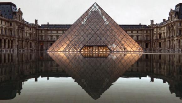 5:46 am, Paris Underwater by ArtefactoryLab