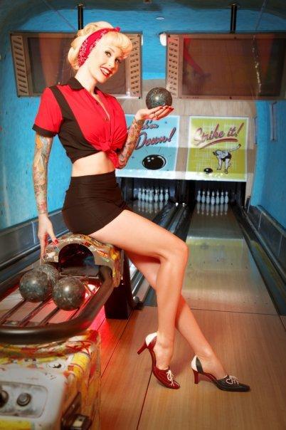 Ретро картинки девушки боулинг
