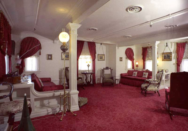 An Interesting Guided Tour At Disneyland That Explores The Park Through Personal History Of Walt Disney And Got To Check Out S Apartment