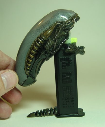 Alien Pez Dispenser