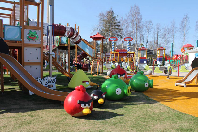 angry birds land opens in finnish theme park. Black Bedroom Furniture Sets. Home Design Ideas