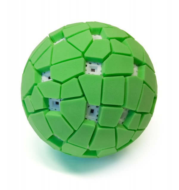 The Throwable Panoramic Ball Camera by Jonas Pfeil