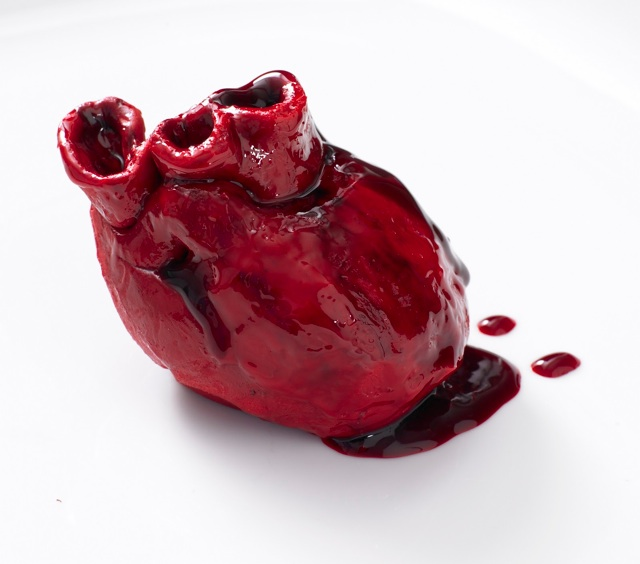 Realistic Bleeding Heart Valentine 39s Day Cakes