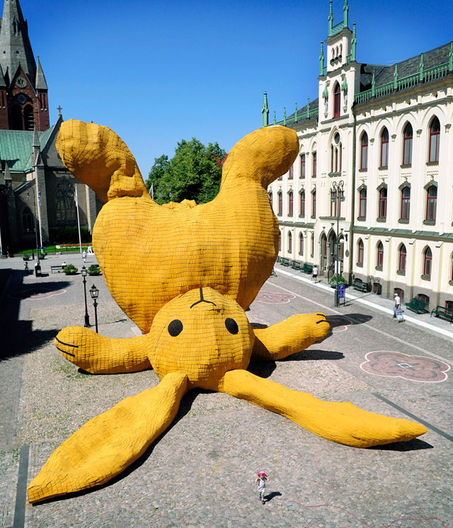 Big Yellow Rabbit by Florentijn Hofman