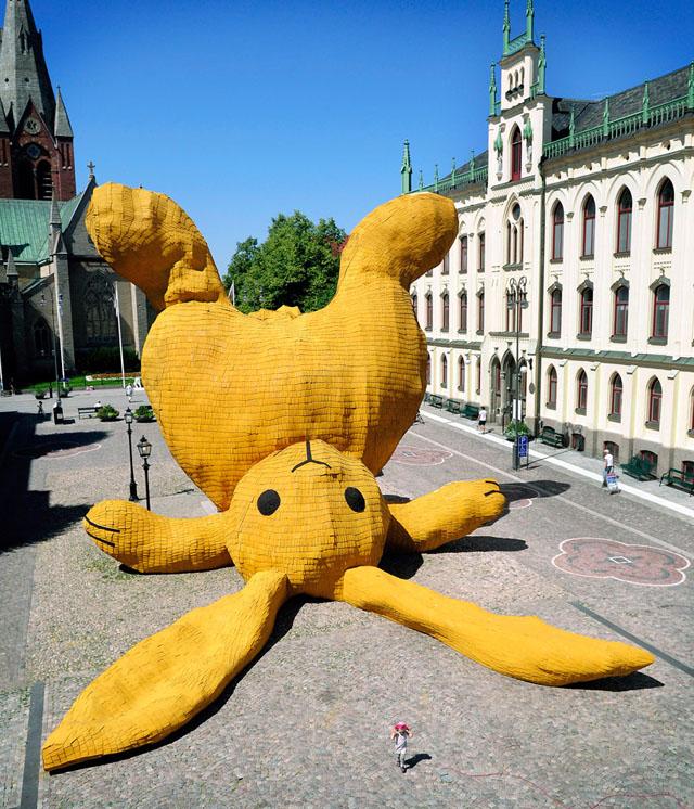 Big Yellow Rabbit by Florentijn Hofman