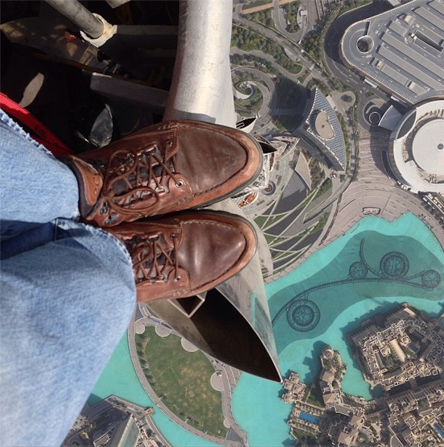 Burj Khalifa rooftopping photo by Joe McNally