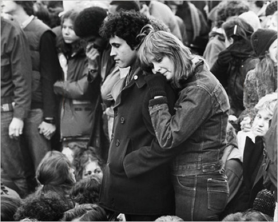 the death of john lennon Of the murder of john lennon december 8, 1980 the beginning of a long cold  and very empty winter coinciding with the death of liberalism and the election.
