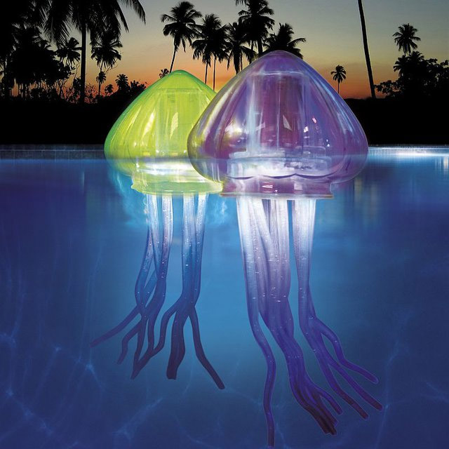 Ocean Art Light-Up Jellies, Eerie Glowing Jellyfish for Swimming Pools