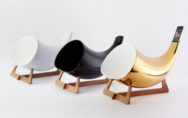 Megaphone iPhone horn by en & is