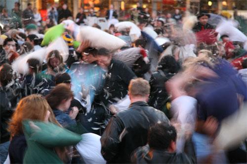San Francisco Pillow Fight 2006 Photos