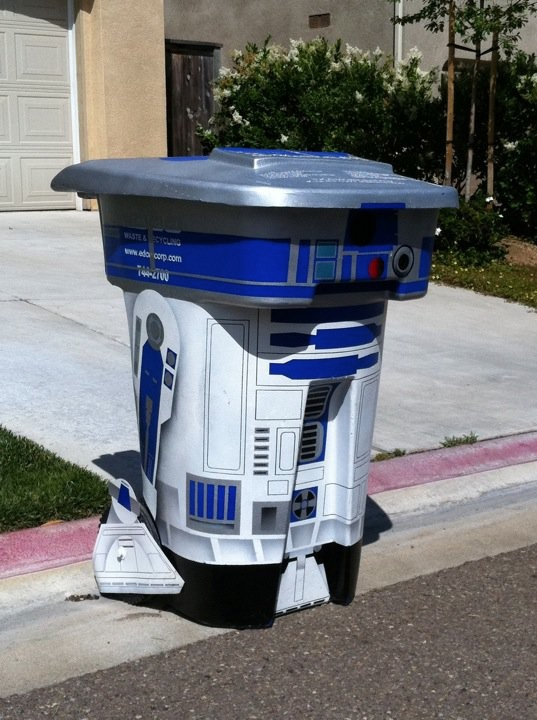r2-d2-trash-can