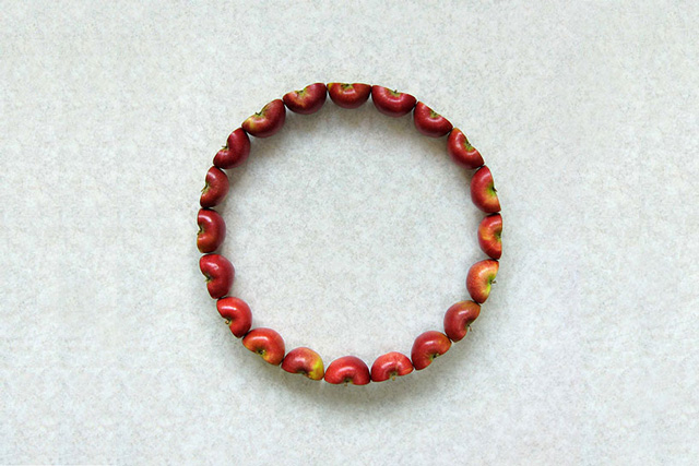 Ring of Apples