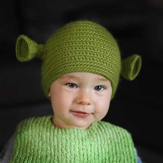 Krys made a couple of adorable Yoda and Shrek green baby beanies 6269923bd0c