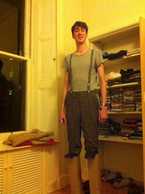 sc 1 st  Laughing Squid & 7 Foot Tall Man Dresses as Normal Guy on Stilts for Halloween