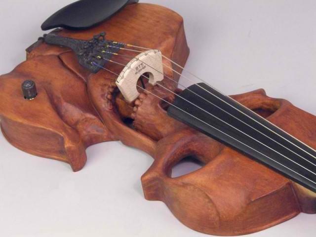 Stratton Skull Electric Violin