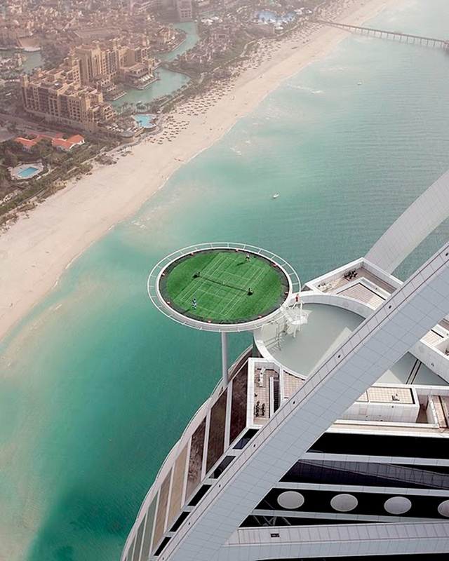 The world s highest tennis court on top of the burj al for World biggest hotel in dubai